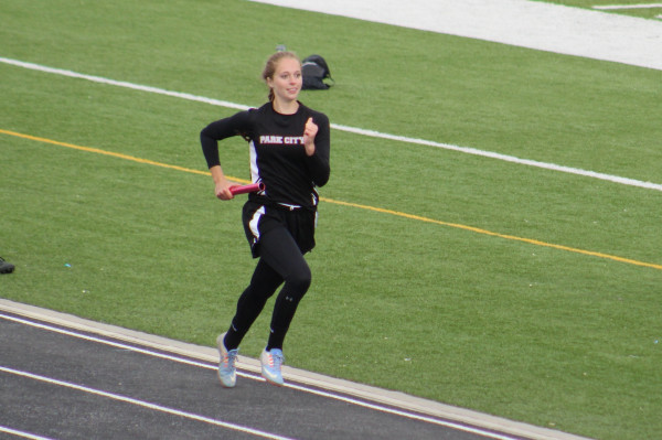 Photo by Kim Flemmer.  MacKinzie Verke and her relay team took first place in the 4x400.