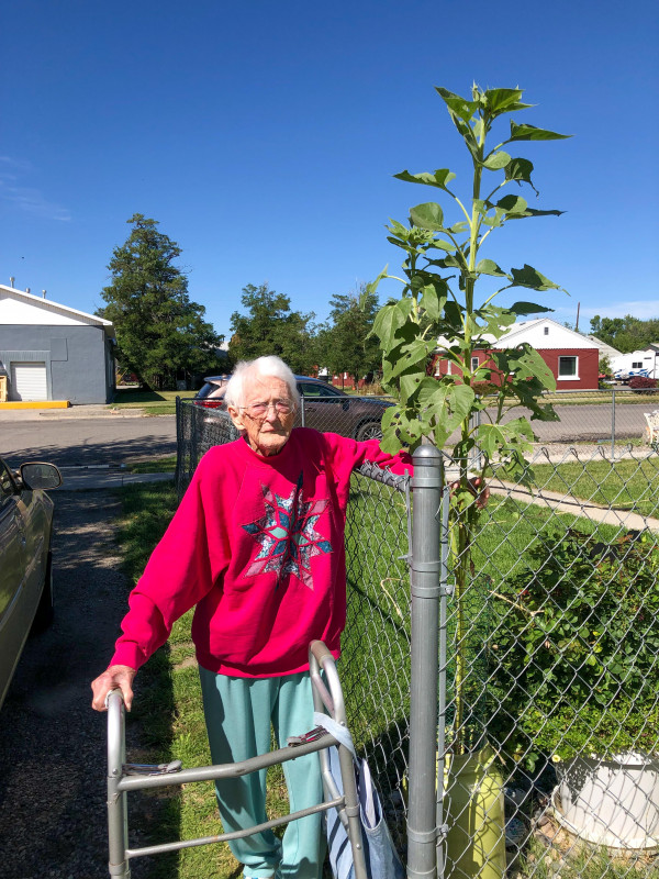 Doris Ellestad was the oldest contestant at age 100!