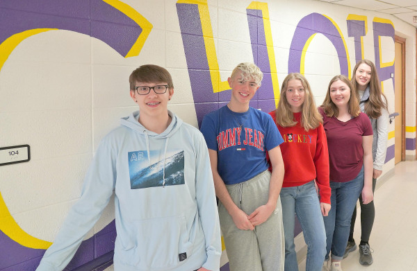 The seven Laurel High School choir students selected to the All–Northwest Choir are Aaron Fairlee, Harley Heeftle, Megan Maida, Ashley Goss and Grace Negrette. Not pictured Maren Pollock and Andrew Sutton. Outlook photo by Chris McConnell