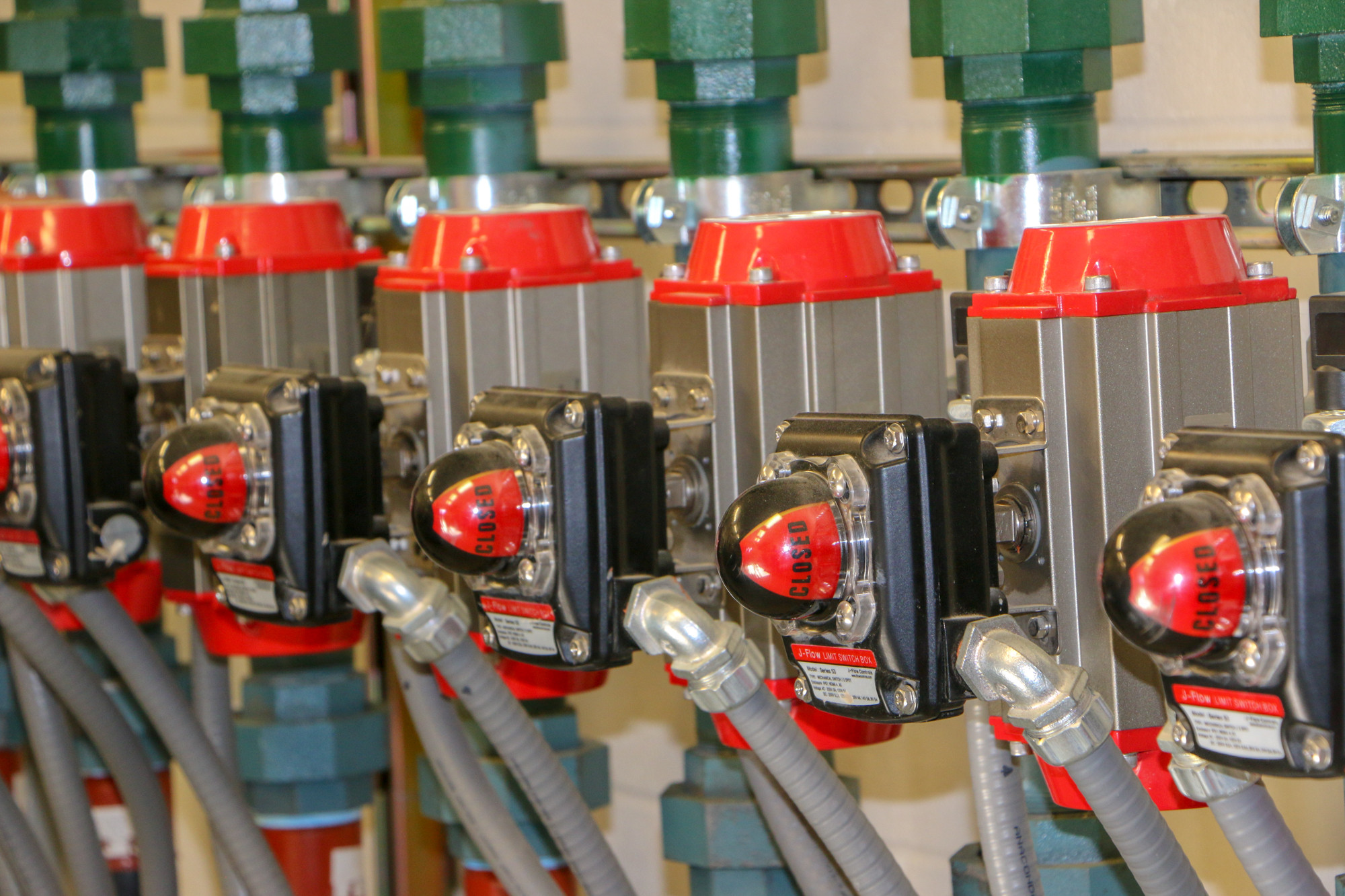 The switches for the compressed air that is used for cleaning out the filters in the pipeline.
